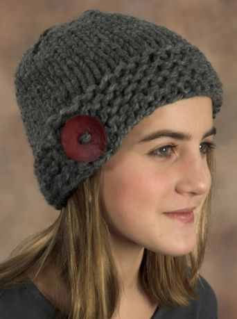 Make your first knitted hat - in the round!